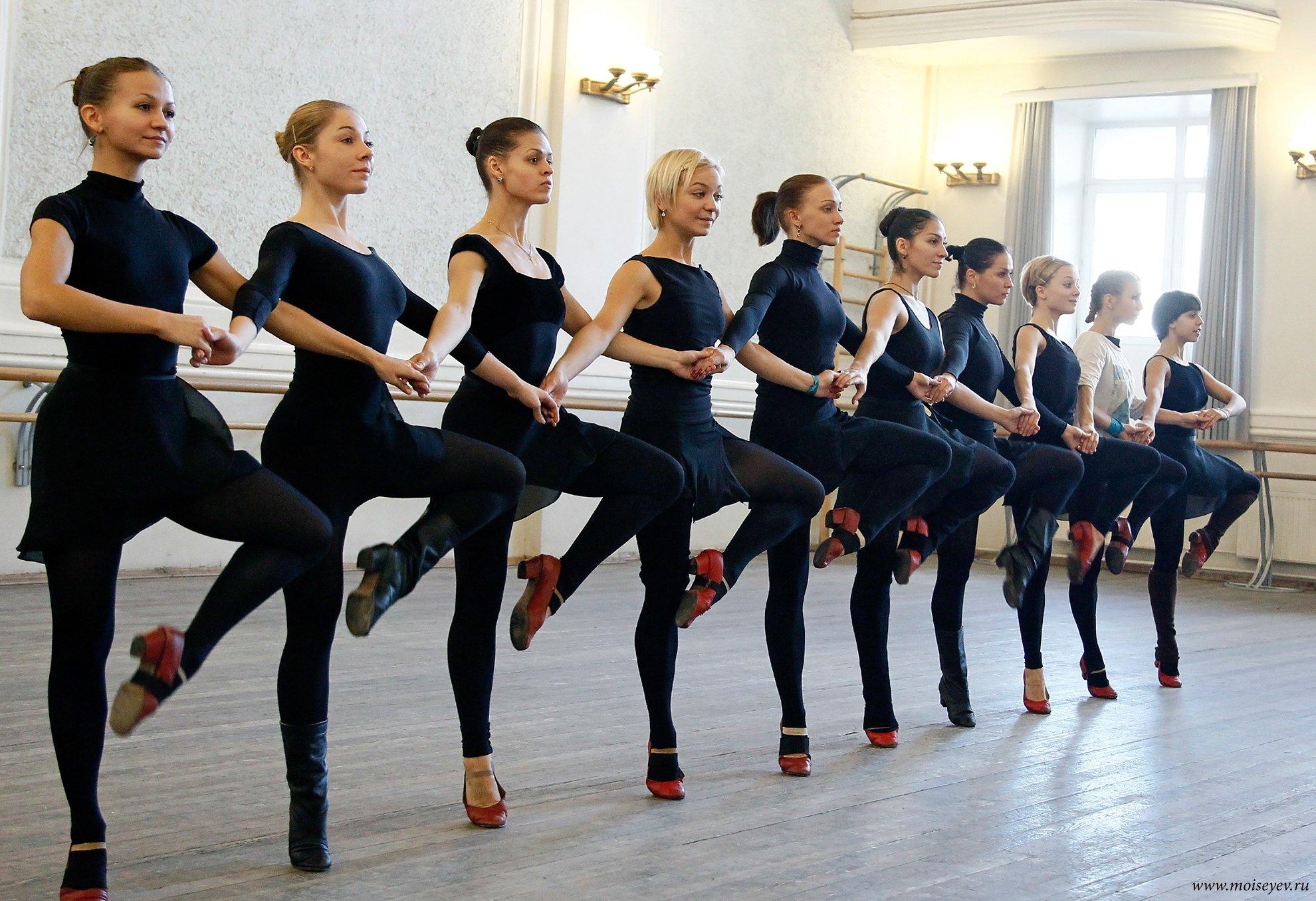 сентябре картинки классических танцевальных форм том как бросает